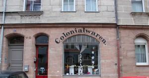"""Colonialwaren"", Geuderstr. 57 © Leuthold 2013"
